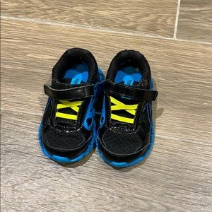 Reebok black running shoes for baby boy size 4